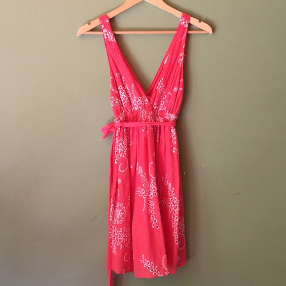 Double Zero Dresses & Skirts - Coral mid length dress w/white detailed stitching